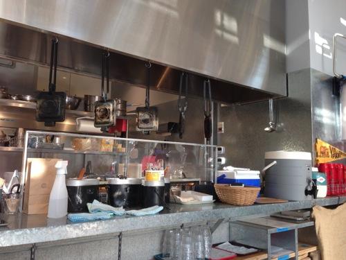 横浜みなとみらいのMark Is(マークイズ)にあるキャンプコーヒー(camp coffece)ホットサンドキッチン